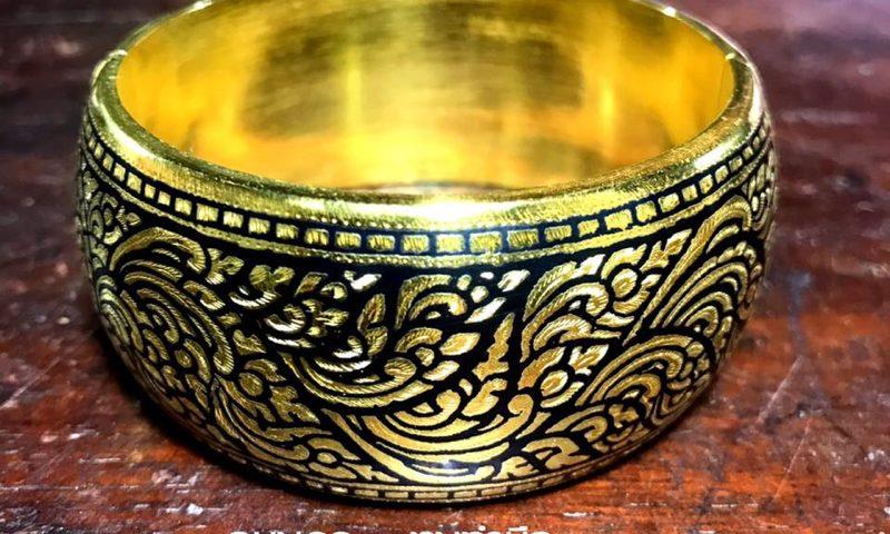 กำไลถมทอง แบบล็อก หน้ากว้าง 3 ซม.โดยช่างถมฝีมือดี #นครศรีธรรมราช